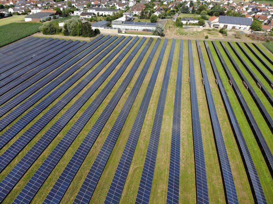champs-panneau-solaire
