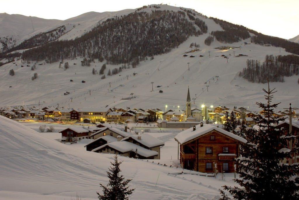 panneau-solaire-neige-montagne